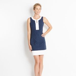 Vineyard Vines navy and white shift dress